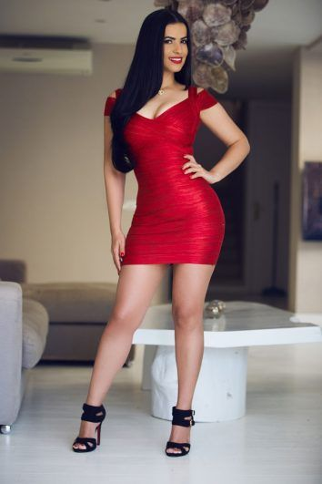 Flavia-red-clothes