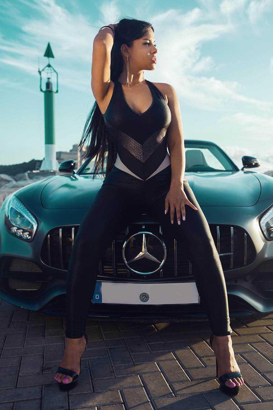 image Cris sexy escort in exclusive cars ibiza