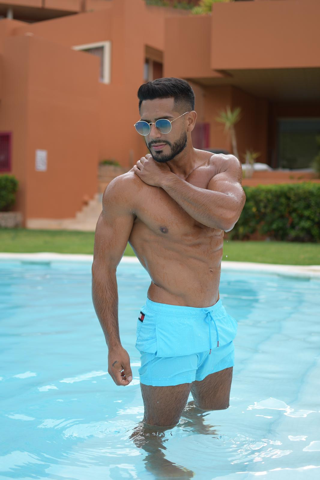 male for couples in Ibiza